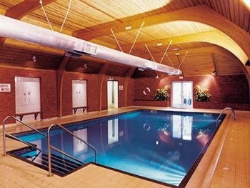 Redhouse Hotel - Indoor Heated Swimming pool