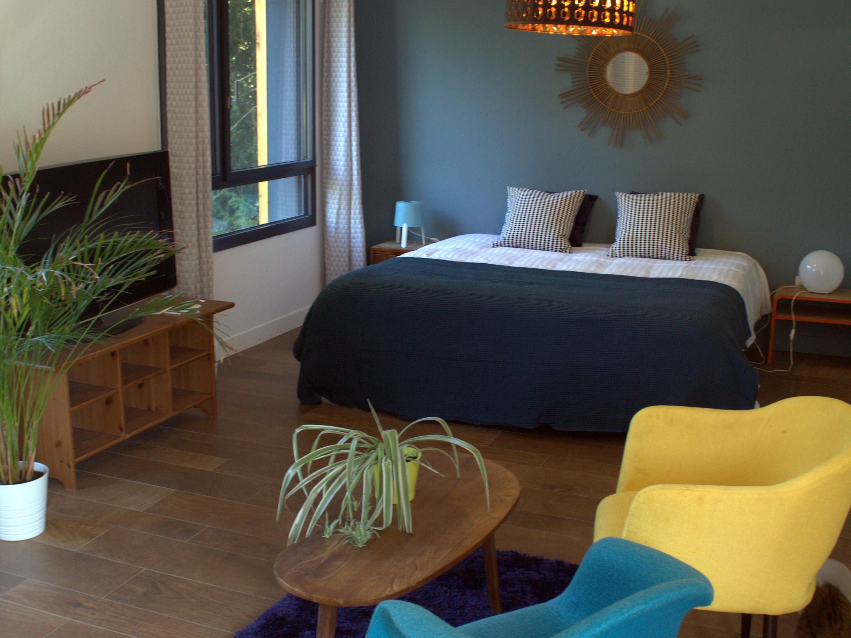 Suite-Premium-Salle de bain Privée-Vue sur Piscine-Accès Terrasse