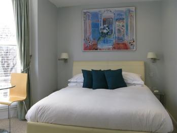 Platinum Mini Suite En-Suite Shower