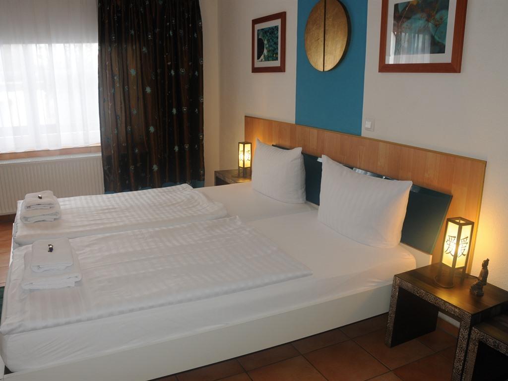 Doppelbett oder zwei Einzelbetten-Ensuite Dusche-Großes 2-Bettzimmer - Basistarif