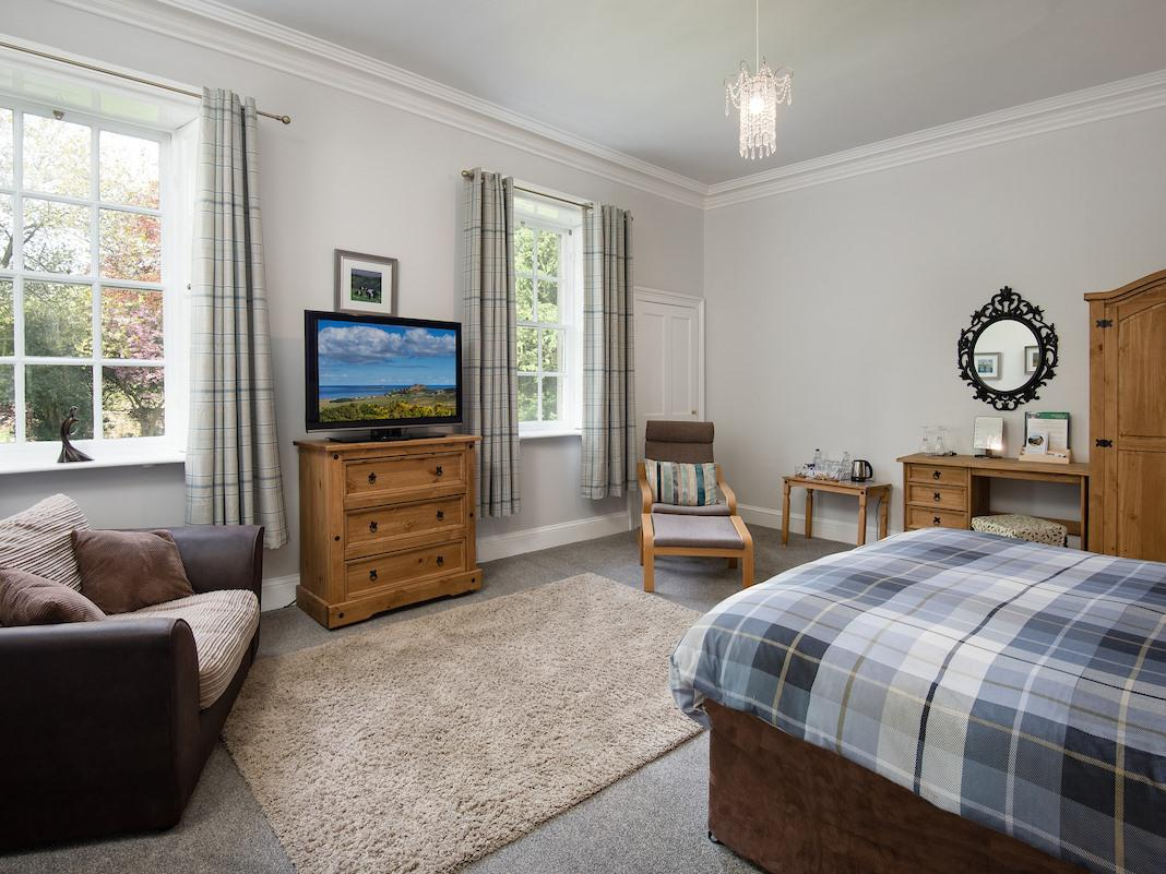 King-Luxury-Ensuite with Bath-Garden View-Room 4