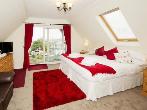 Newly Refurbished Polzeath room with balcony made up as a super king double bed but also available as a room with twin beds.