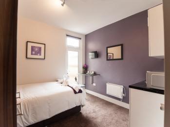 Studio-Apartment-Ensuite with Shower