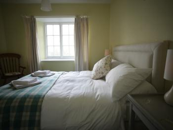 Double room-Ensuite with Bath-Garden View-Houns-Tout