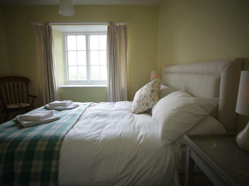 Double room-Ensuite with Bath-Garden View-Houns-Tout