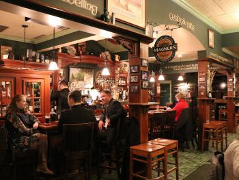 County Clare Irish Pub