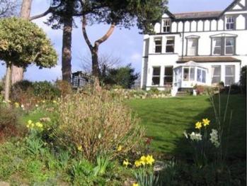 Glan Heulog Guest House -