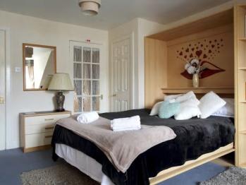 Edinburgh city centre Tony Apartment -