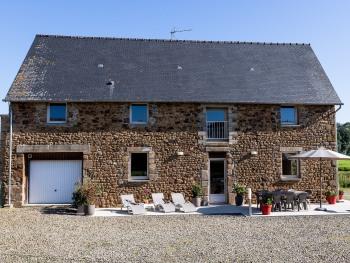 maison 140m² pouvant accueillir 8 personnes, 4 chambres
