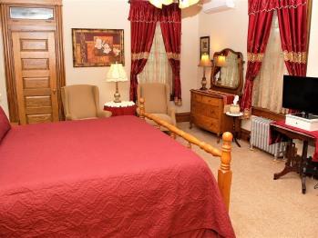 General Jones Room-Double room-Ensuite with Bath-Superior-Garden View