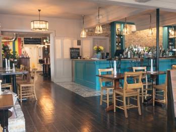 The Green W7 - Main bar