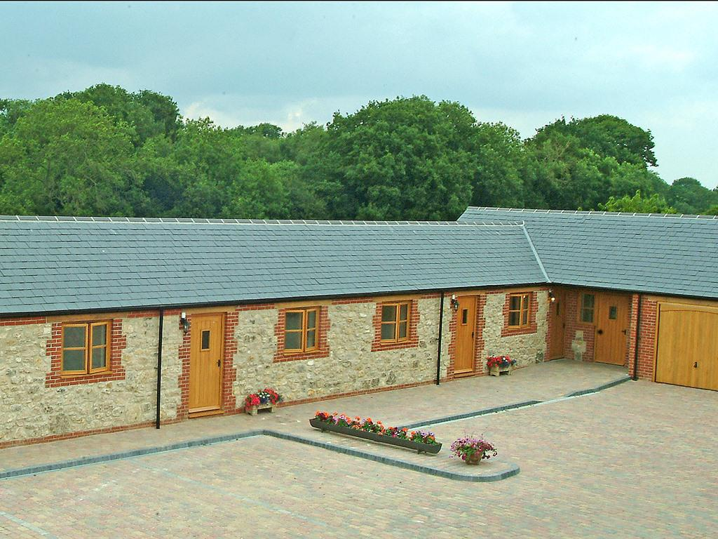 Hook Farm Cottages, Royal Wootton Bassett, United Kingdom - Toproomscom
