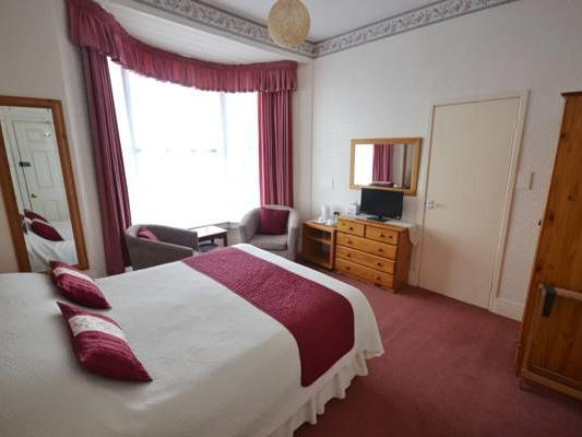 Double room-Ensuite-Partial sea view-Room 3