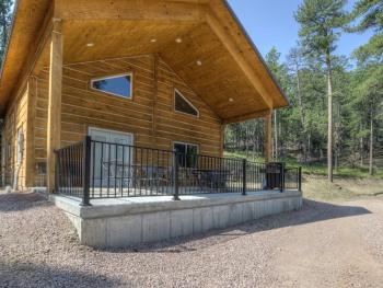 Homestead -Cabin-Private Bathroom-Family