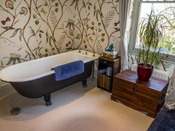 The Linwood Room Bathroom