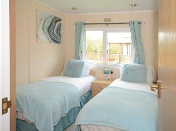 Lodge-Family-Private Bathroom-Garden View-Woodland Lodge - Base Rate