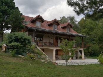 Chez Barrak - Chambre d'hôte - Vue extérieur rocaille