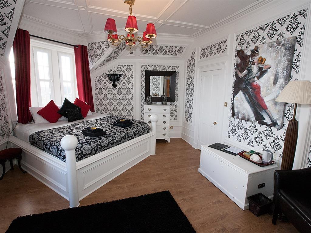 Victoria Room - Ensuite