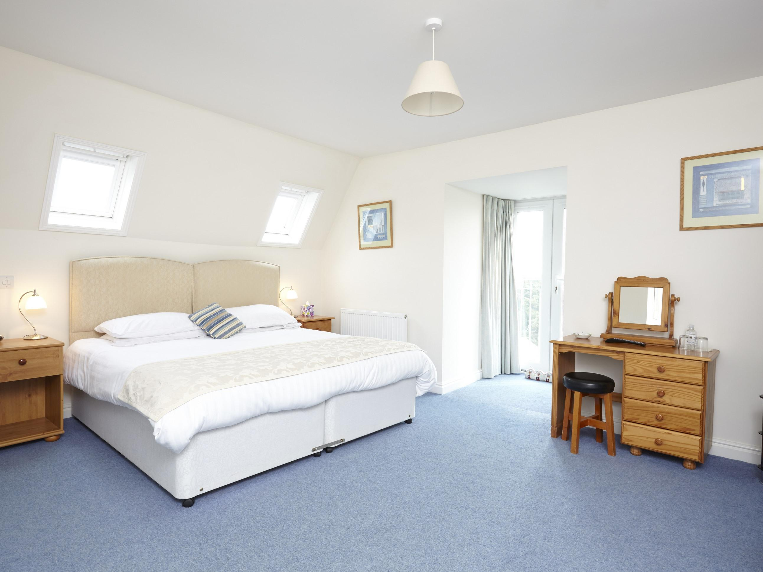Double or Twin-Superior-Ensuite-Room 8