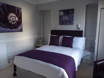 Double room-Luxury-Ensuite with Shower-Garden View - Breakfast Included