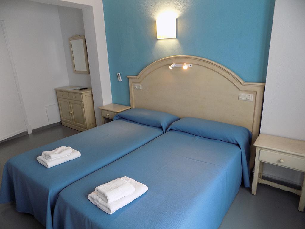 Doble con dos camas-Estándar-Baño con bañera-Balcón-Baño Privado