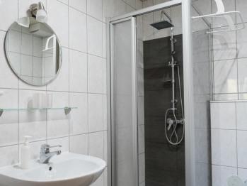 Duschbad Montistube (kleines Familienzimmer)