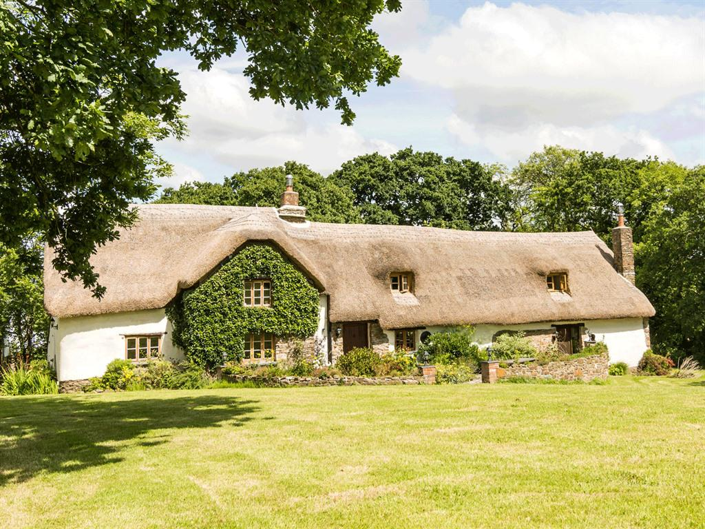 Hay Meadow Farm, 12th Century Thatched Manor House