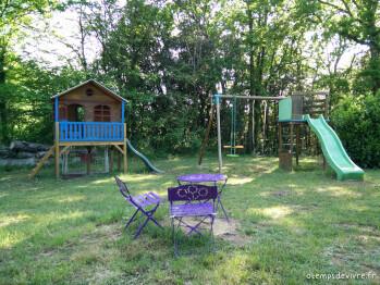 Portique, Toboggan et cabane pour les enfants