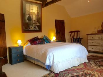 Bowhayes Farm - Queen room