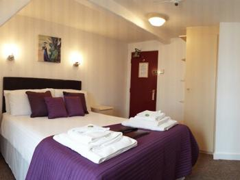 Double room-Ensuite-Sea View-Room 11 - Base Rate