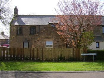 Ravensmede Cottage - Look at the type of house a sand stone cottage by itself.