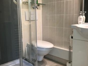Salle de bains Lit Chambre Mirabelle
