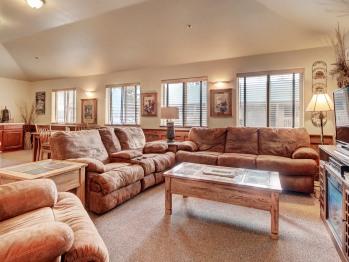 123 King Luxury Suite