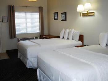 Quad room-Ensuite-Standard-Hotel room 101 - 2 double - Quad room-Ensuite-Standard-Hotel room 101 - 2 double