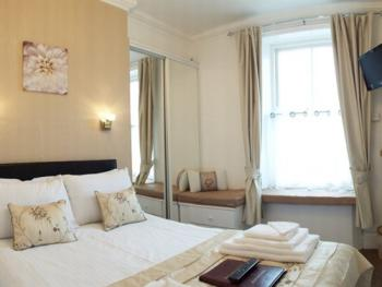 Double room-Ensuite-Sea View-Room 3 - Base Rate