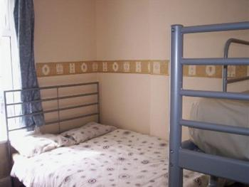Triple room-Shared Bathroom-(Double Bed & Single Bed)