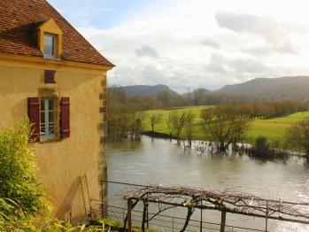 vue de la maison O'galop sur la rivière Dordogne
