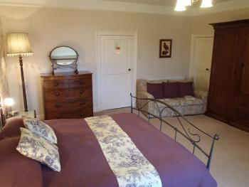 Double room-Ensuite-(Super King Size bed )