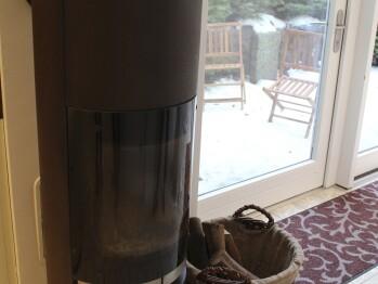 Kamin im Frühstücksraum