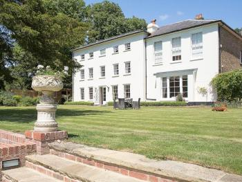 The Old Vicarage - The Old Vicarage, Doddington, Kent, Guest Accommodation