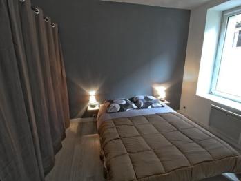 Charlie 4 (T3 RDC)-Appartement-Confort-Salle de bain Privée-Vue sur la cour