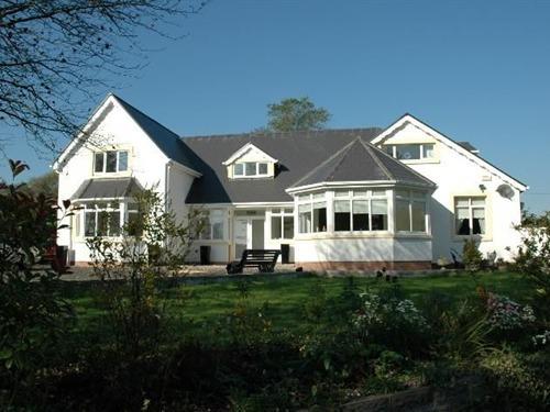 Hazelwood Guest House, Bridend, Mid Glamorgan