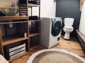 Une salle de bain à l'ambiance relaxante