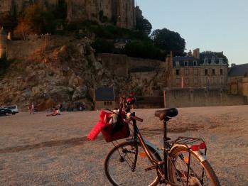 """A vélo - devant la """"Merveille"""""""