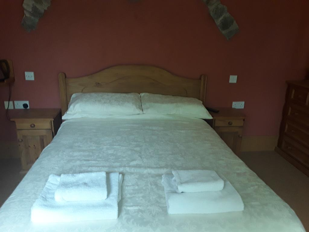 Double room-Ensuite with Shower-Sheelahs