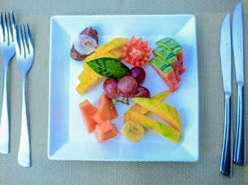 BREAKFAST - EXOTIC FRUIT PLATTER