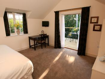 Deluxe-Triple room-Ensuite-Terrace-Countryside view