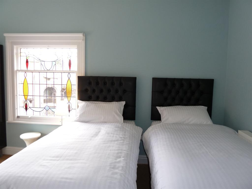 Twin or Double Ensuite-English or Continental Breakfast Included