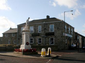 North Point Hotel - North Point Hotel Next To The Monument