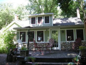 Kettle Moraine Cottage Bed & Breakfast Front Entry